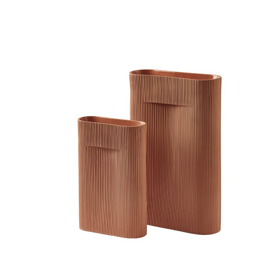 Ridge-vase-terracotta-group-Muuto-5000×5000-hi-res